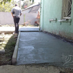 Бетонирование дорожки возле дома