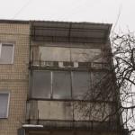 Готовый козырек над балконом