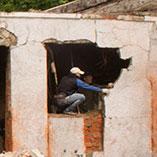 Демонтаж стен для расширения оконных проемов
