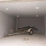 Стильный гараж, сделанный со вкусом