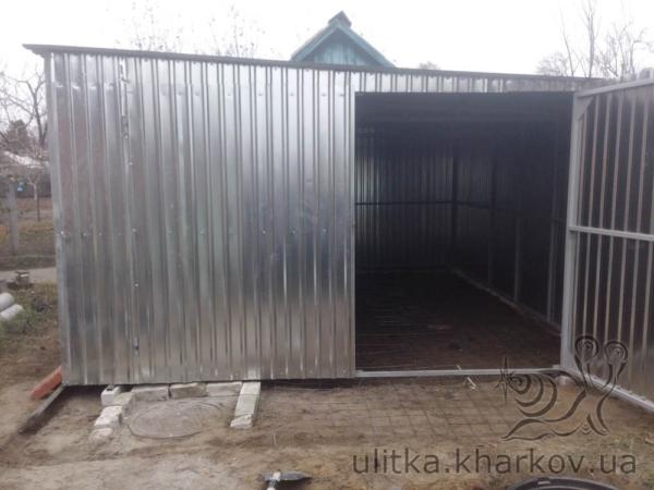 Односкатный гараж из профнастила