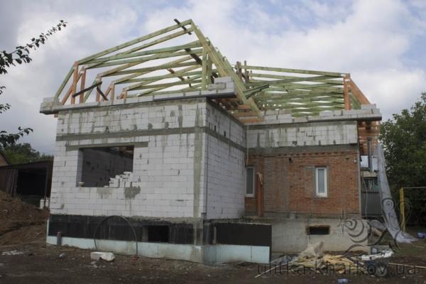 Стропильная система для мансардной крыши дома