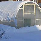 Как чистить снег с теплицы из поликарбоната