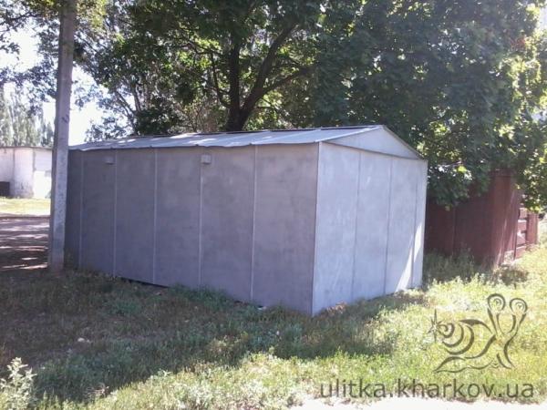 Металлический гараж сзади
