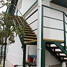 Металлическая лестница на чердак