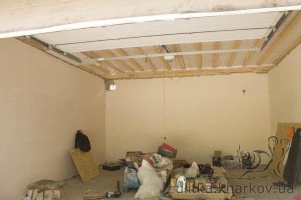 Устройство потолка в гараже
