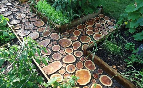 Дерев'яний бордюр